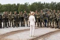 <p>Ursula von der Leyen était la ministre allemande de la Défense avant de se voir proposer la présidence de la Commission européenne.</p>