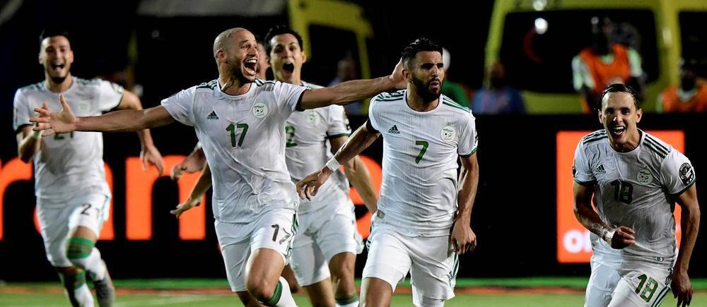 Victorieux contre le Nigeria (2-1), grâce à des buts de Troost-Ekong (40') et Riyad Mahrez (90'+5), les Algériens rejoignent le Sénégal en finale !