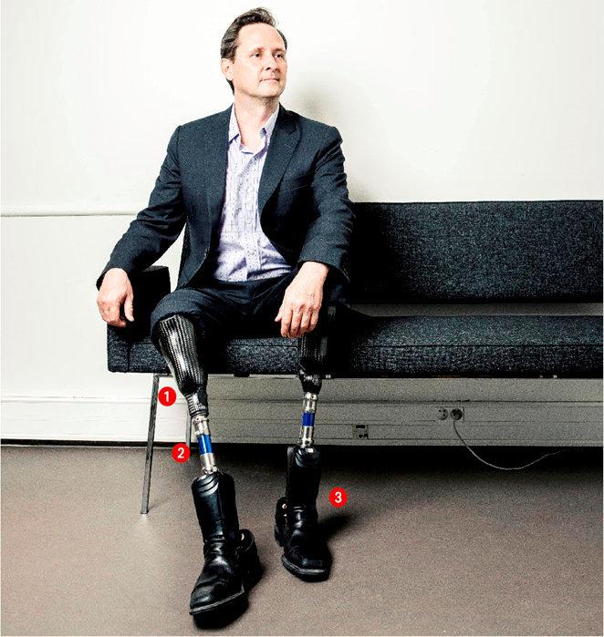 Obstiné. Hugh Herr est biophysicien, chercheur en biomécatronique au Massachusetts Institute of Technology Media Lab. Après son accident, il reprend ses études afin de se consacrer à la recherche. Son but: rendre leur mobilité aux handicapés.
