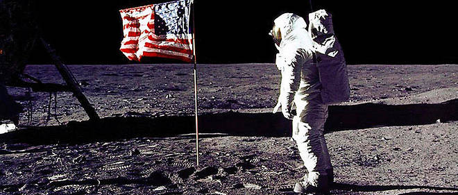 Le 21 juillet 1959, à 3h56, en France, Neil Armstrong posait le pied sur la Lune, suivi de Buzz Aldrin.