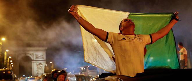 Les supporteurs de l'Algérie se sont très vite rendus sur les Champs-Élysées.