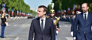 Emmanuel Macron sur les Champs-Élysées.