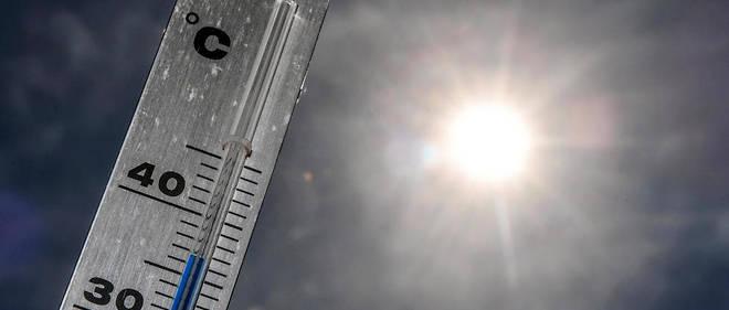 Un nouvel épisode de fortes chaleurs, le deuxième en moins d'un mois, arrive sur la France avec 21 départements du Sud-Ouest et du Centre-Est placés en vigilance orange, une chaleur qui devrait rapidement s'entendre à « une grosse partie de la France ».