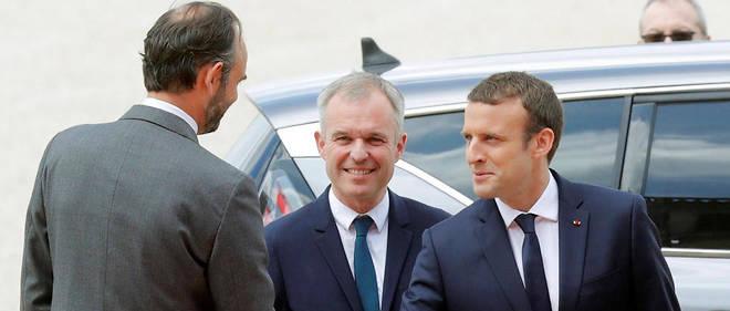 Édouard Philippe et Emmanuel Macron ne pâtissent pas trop de l'« affaire Rugy ».