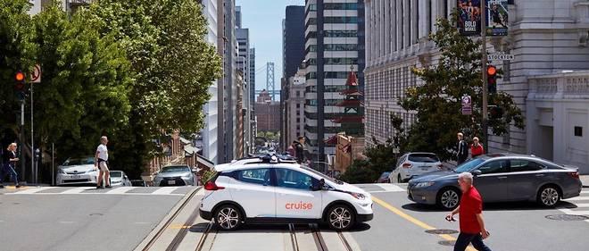 La voiture autonome pose d'autres problèmes que techniques liés aux infrastructures, aux voitures traditionnelles et au cadre juridique.