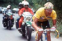 Le Français Laurent Fignon, échappé, file vers la victoire, le 17 juillet 1984, lors de la 18e étape du Tour de France entre Bourg-d'Oisans et La Plagne.