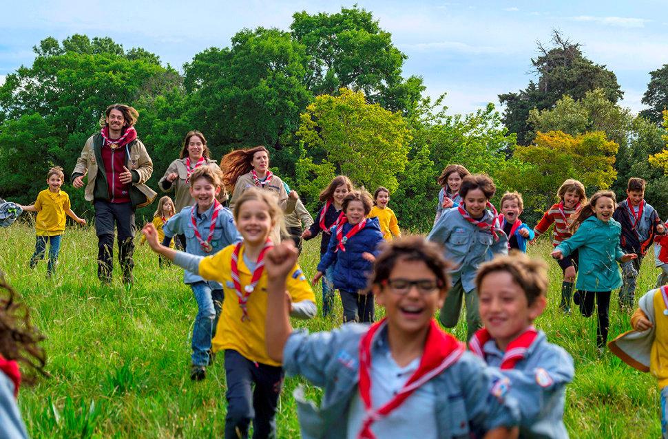 Ribambelle. L'équipe d'Eclaireuses et Eclaireurs de la nature au domaine de Viviers, à Jacou, près de Montpellier, le 19mai.