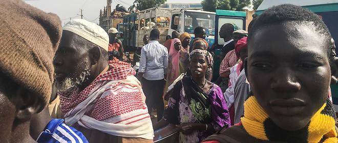 Des déplacés maliens, le 17 juin 2019, à Koro, près de la frontière avec le Burkina Faso, dans l'attente de regagner leurs domiciles dans le centre du pays.