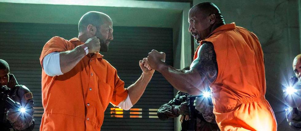 <p>Jason Statham et Dwayne Johnson dans Fast &amp; Furious 8 (2017).</p>