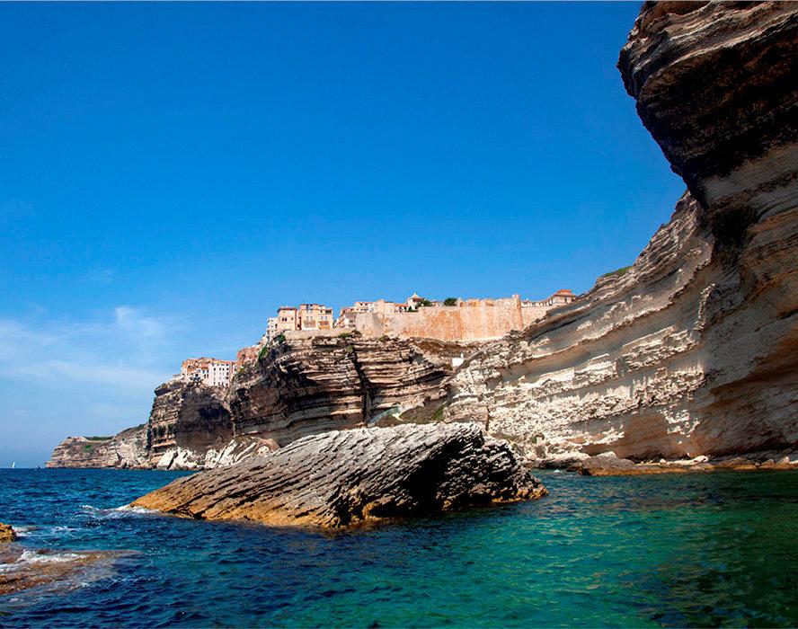 Vigie. La citadelle, l'un des joyaux de Bonifacio, bâtie par les Génois. La ville a accueilli 2millions de visiteurs en 2018.