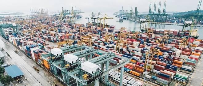 L'African Growth and Opportunities Act (AGOA), loi sur la croissance et les opportunités en Afrique, permet aux produits des pays africains conformes d'accéder sans restriction au marché américain