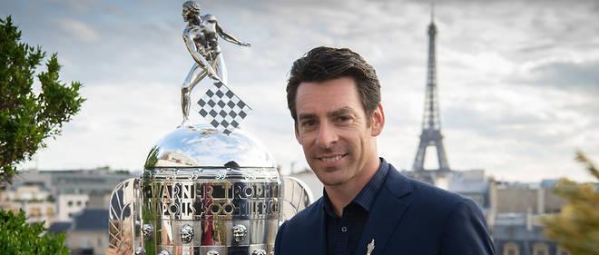 Pagenaud est venu présenter son trophée de 55 kg à Paris et sa bague des vainqueurs des 500 Miles d'Indianapolis
