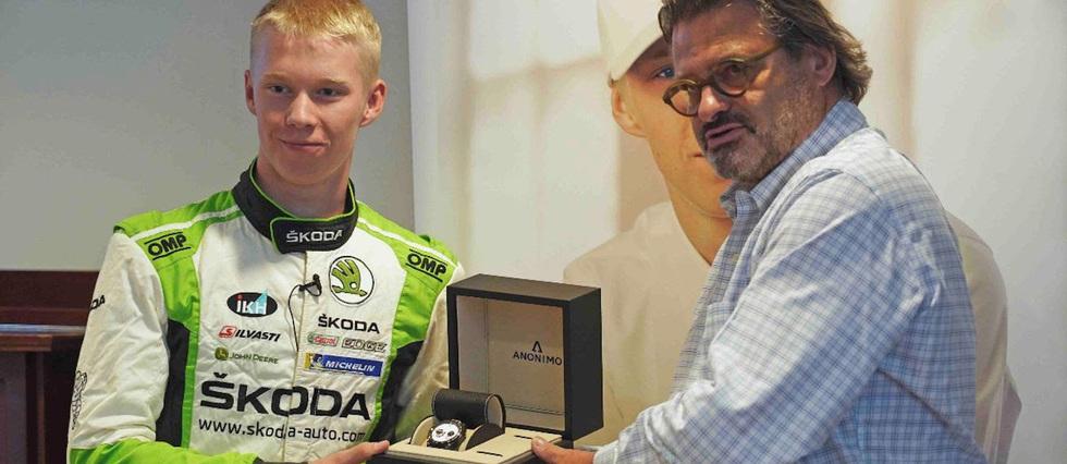 <p>Kalle Rovanperä, 18 ans, écume le championnat du monde WRC-2 Pro.</p>