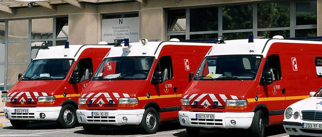 Quatre jeunes âgés d'une vingtaine d'années - un homme et trois femmes - ont péri dans l'accident.
