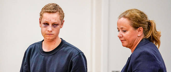 Le suspect Philip Manshaus à son arrivée au tribunal d'Oslo.