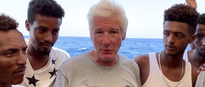 L'acteur américain Richard Gere était sur le bateau de l'association Open Arms au large de l'île de Lampedusa, en Italie.