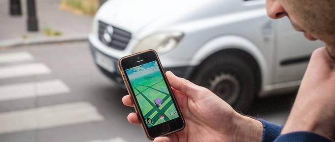 Les dangers restent élevés pour les piétons, distraits par l'usage du smartphone.