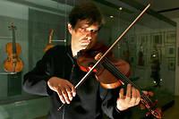 Les heures d'entraînement au violon ne permettent pas de faire la différence entre un bon et un très bon musicien.