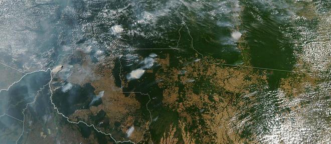 Au 23 aout, aucune agence de presse ne fournissait de photos spectaculaires des incendies qui ravagent l'Amazonie, mis a part ce cliche pris de l'espace par la Nasa.