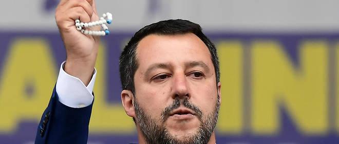 Matteo Salvini a fait du chapelet l'un de ses emblèmes.