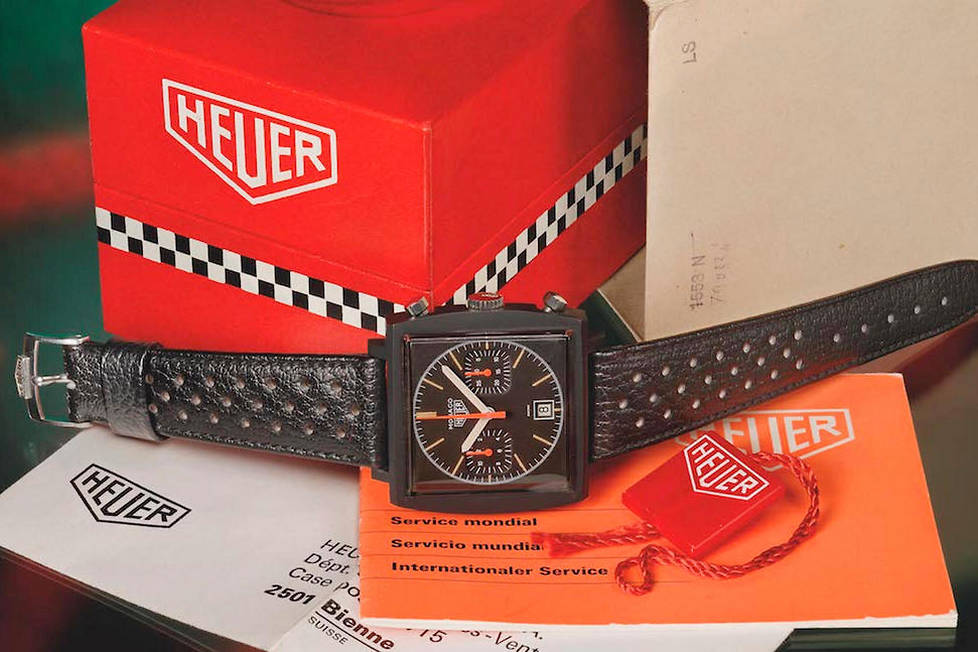 <p><strong>Monaco Dark Lord.</strong> Doté d'un cadran noir et d'un bracelet en cuir noir assorti, ce chronographe a inauguré l'ère de la montre totalement noire.</p> <p></p>