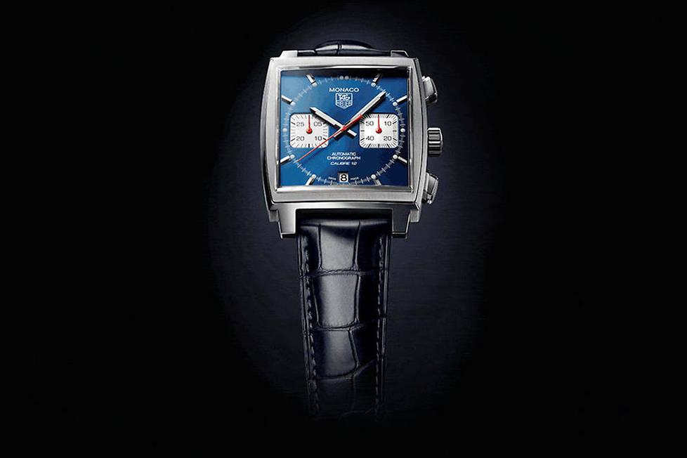 <p><strong>Monaco Calibre 12.</strong> Un revival de la montre portée par Steve McQueen: cadran bleu, boîtier carré en acier poli, chrono à deux compteurs. Culte.</p> <p></p>