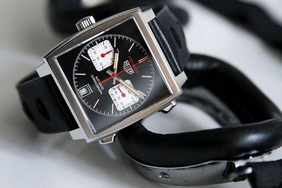 <p><strong>Monaco Calibre 11 Edition Spéciale France. </strong>Anti-conformiste, élégante et racée, cette montre limitée à 200 exemplaires en France est destinée aux amoureux d'automobile.</p>