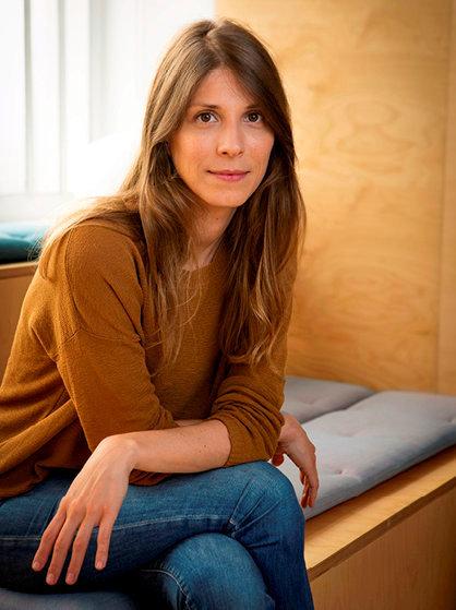 Pionnière. Céline Alvarez dans les locaux des éditions LesArènes, le 23août.
