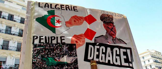 Une pancarte lors d'une manifestation à Alger, le 2 septembre 2019.