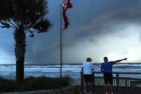 La Floride s'attend au passage d'un ouragan affaibli mais toujours dangereux.
