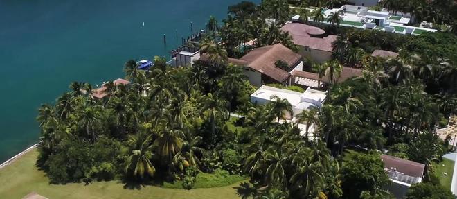 Al Capone a acheté la résidence en 1928 et y a vécu jusqu'en 1947.