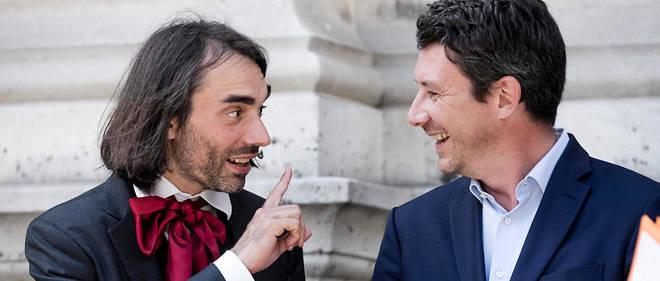 Cédric Villani et Benjamin Griveaux le 14 juin 2017. Pour l'instant, l'issue de la bataille est incertaine et les membres du gouvernement restent prudents.