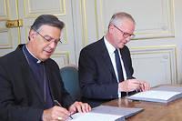 Mgr Michel Aupetit archevêque de Paris etRémy Heitz procureur de Paris.