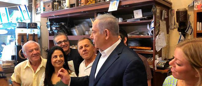 «Duvshanit» (en français, pain d'épices), c'est le nom d'une pâtisserie de Jérusalem qui fait aussi café, où Benjamin Netanyahu a ses habitudes.