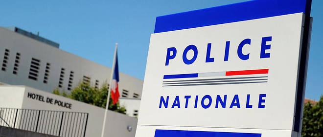 Un véhicule utilitaire a été retrouvé calciné près des lieux du crime.