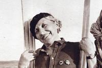 Marie Marvingt a aussi inventé le ski de sable dans les dunes du Sahara, après la Grande Guerre.