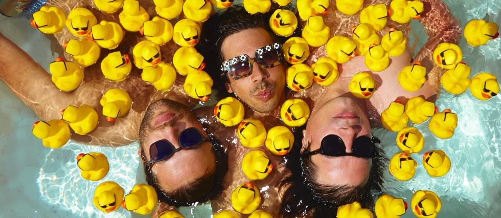 <p>Les Naive New Beatersreviennent avec un nouvel opus baptisé «Fun Hours».</p>