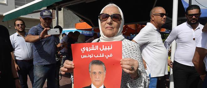 Malgré son incarcération préventive, Nabil Karoui a engrengé des soutiens et reste en course pour la présidentielle.