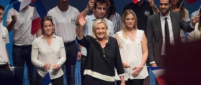 « On ne peut plus continuer à regrouper les activités sur les mêmes territoires en laissant les autres se désertifier », a déclaré Marine Le Pen à Fréjus dimanche15 septembre.
