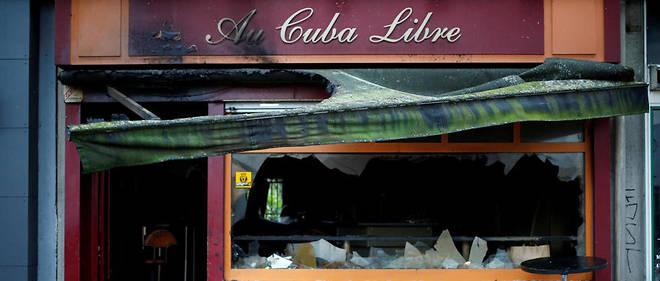 La devanture du bar le 6 août 2016, après l'incendie qui a tué quatorze personnes et en a blessé cinq autres.