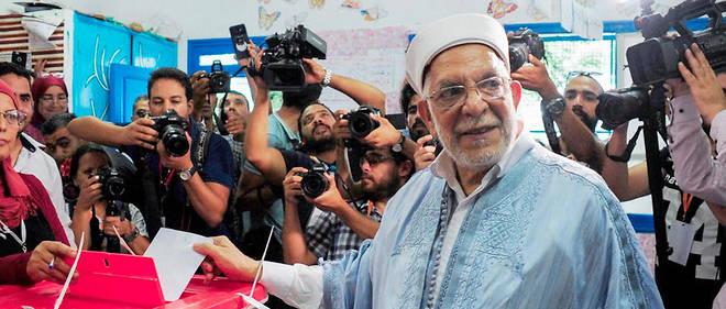 Abdelfattah Mourou dans un bureau de vote à La Marsa, le 15 septembe 2019.