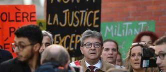 Jean-Luc Mélenchon comparaît aux côtés de cinq proches présents ce jour-là.