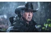 Sylvester Stallone reprend le rôle de Rambo dans un nouvel opus démoli par la critique.