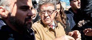 Jean-Luc Mélenchon à son entrée devant le tribunal de Bobigny.
