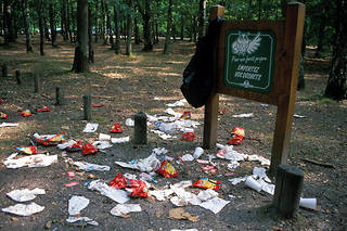 Les initiatives citoyennes pour nettoyer la nature et sensibiliser à l'abandon de déchets se multiplient (photo d'illustration).