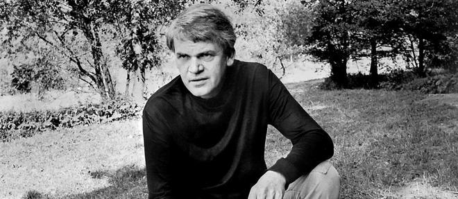 L'écrivain MilanKundera, ici en 1973, à Prague, a beaucoup écrit sur la notion d'«amnésie historique».