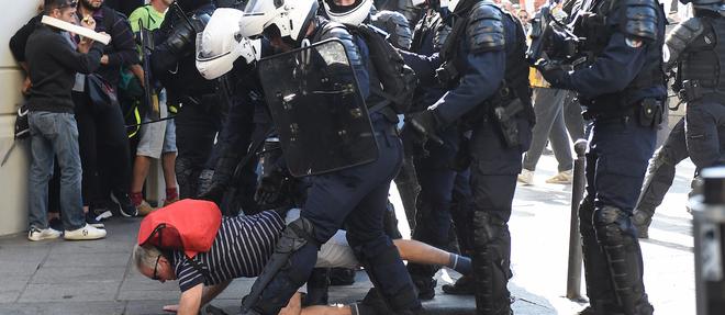 Les manifestants se sont plaints des interventions tres musclees des forces de l'ordre.
