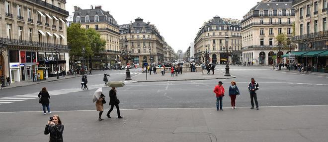 De 11 a 18 heures, il sera interdit de circuler en voiture a Paris (mais pas sur le peripherique) : les contrevenants s'exposent a une amende de 135 euros.