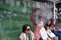 Des Algeriens manifestaient pour le 31e vendredi de suite. Dans la Tunisie voisine, on se prepare pour le second tour de la presidentielle.
