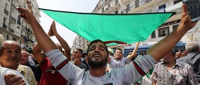 Des manifestations massives ont eu lieu dans plusieurs régions du pays.
